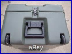 Green Hardigg Pelican Case Crush Proof Submergible 15X21X33 Storage Shipping Box