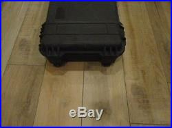 PELICAN 1750 Case Rifle Storage/Shipping Container Waterproof Black With Foam