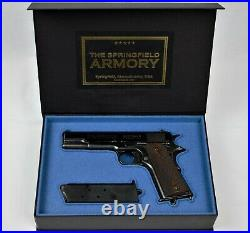 PISTOL GUN PRESENTATION CUSTOM DISPLAY CASE BOX for The SPRINGFIELD ARMORY m1911