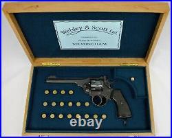 PISTOL GUN PRESENTATION CUSTOM DISPLAY CASE BOX for WEBLEY & SCOTT MkVI 6.455