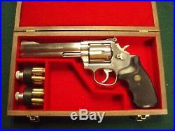 Pistol Gun Presentation Case Wood Box Smith & Wesson 686 6 Barrel Firearm S&w