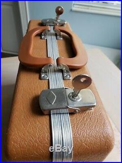 Vintage GUN GUARD Hand Gun Pistol Carrying Case 4 x 9 x 14 RARE with 2 Keys